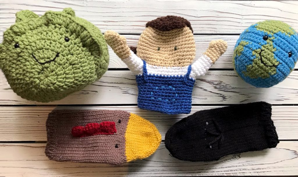 Handmade knit and crochet puppets and imgurimi